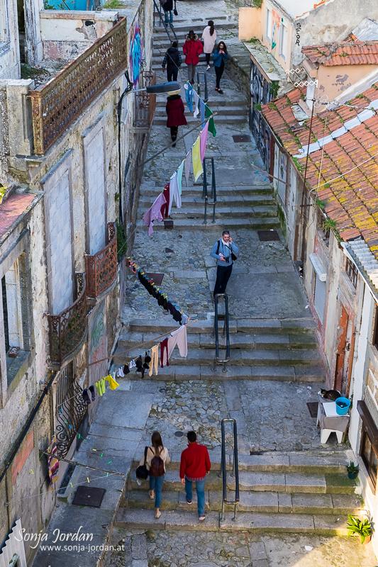 Gasse in der Altstadt Ribeira, UNESCO Weltkulturerbe, Porto, Portugal, Europa