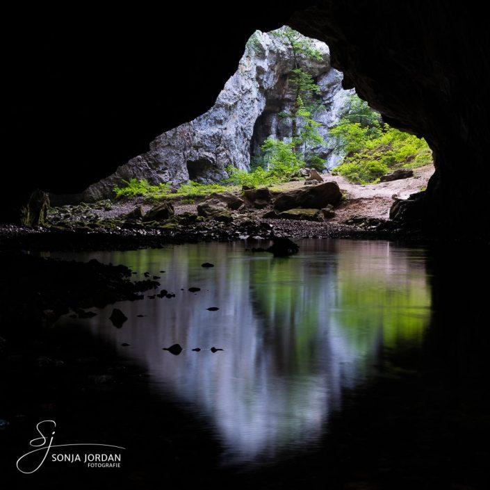 Zelske Jama Höhle